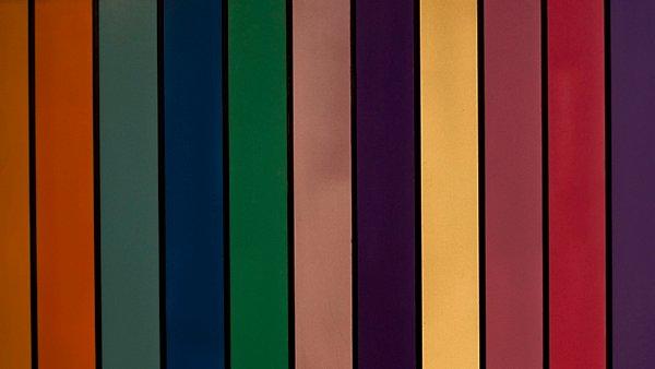 klub_wall_stripes